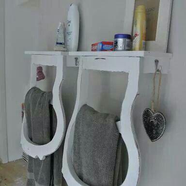 Handdoekenrek van oude stoel rug leuning