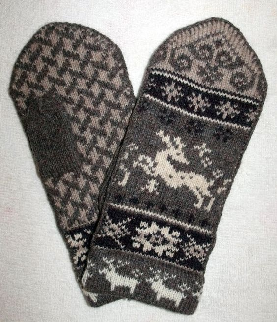 Knitting Mitten Pattern : Norwegian Scandinavian hand crafted 100% Wool Mittens, folk art, Reindeer M...
