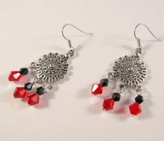 Handgemachte Ohrhänger, silberfarben mit Glasschliffperlen in schwarz und rot. Modeschmuck    Beim Kauf mehrerer Artikel zahlen sie nur einmal 1,90 Eu