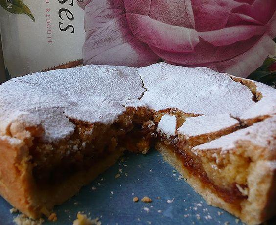 Da Artemisia Comina , che fa con qualche piccolo cambiamento una ricetta di una torta anni '60, quel periodo di torte scostumat...