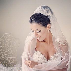 Louez la robe de vos rêves et ses accessoires sans vous ruiner ...