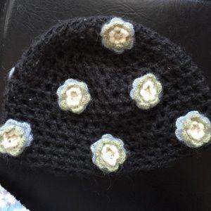 Anthropologie Accessories - Green Large Gauge Knit Flowered Hat