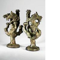 Diego GIACOMETTI 1902 - 1985 Paire de chandeliers à deux têtes de cheval et à…