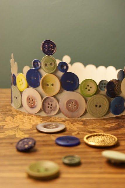 DIY button crown