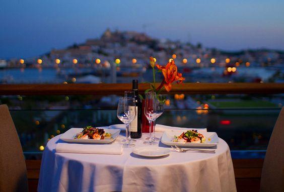 Cómo organizar una cena romántica perfecta