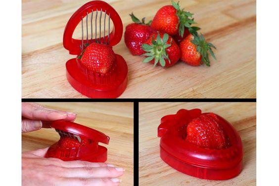 Objetos locos para cortar fruta  Una forma muy simple de rebanar frutillas. ¡Hay que aprovechar que estamos en temporada!. Foto: deluxecomfort.com