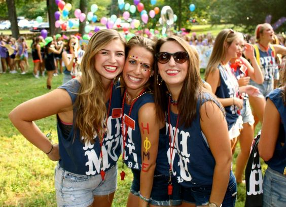 Phi Mu at University of North Carolina #PhiMu #BidDay #sorority #UNC