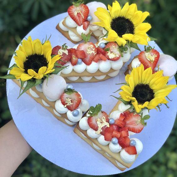 Sunflower Number Cookie Cake 21st Birthday Cake In 2019 22 Geburtstagskuchen Zahl Geburtstagstorten Und Anzahl Kuchen