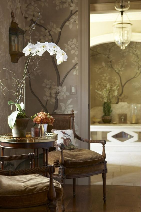 Chinoiserie chic gray chinoiserie wallpaper interior for Chinoiserie design