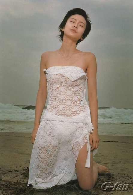 中谷美紀白い衣装で美し過ぎる姿