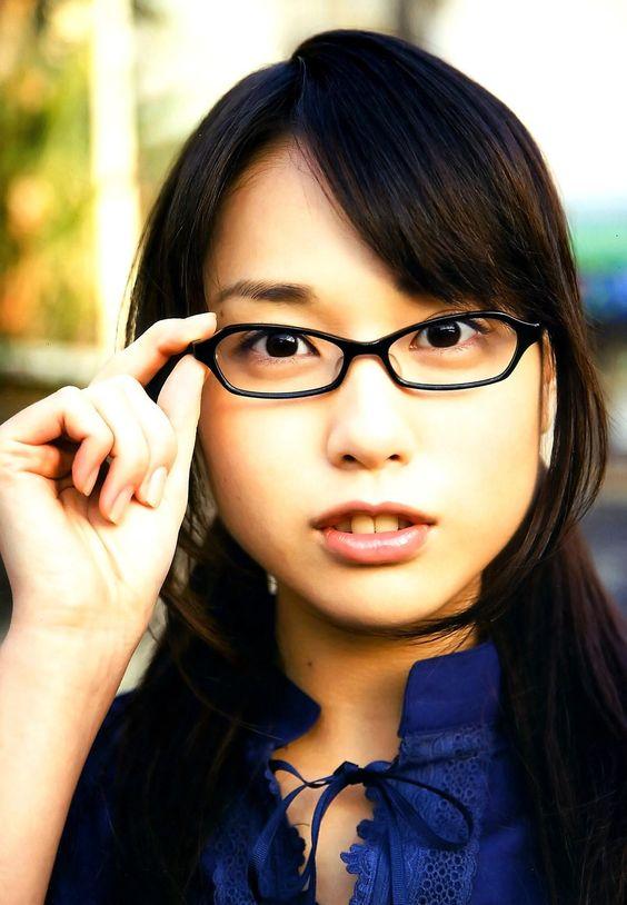 メガネ姿の戸田恵梨香さん