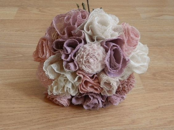 customized lace flower bouquet. pretty :)