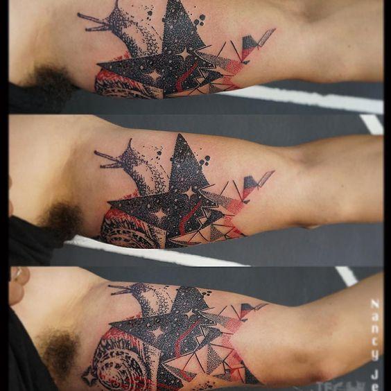 Tattoo Artist: Nancy Jehagi - Mexico City D.F www.tatteo.com #mujerestatuadoras #tatuadorasmexicanas #dotwork #dotworkmexico #mujerestrabajando #mexicantattooartist #mexicantattoist #snailtattoo #startattoo #mywork #blackwork #black&redtattoo