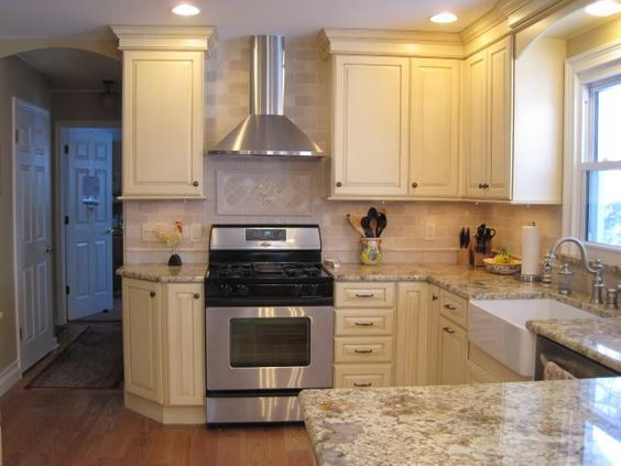 36 upper cabinets with 6 stacked molding 8 foot for 6 ft kitchen ideas