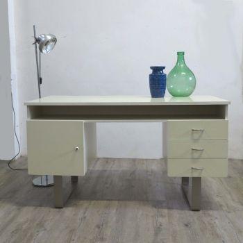Vintage Schreibtisch auf Metallbändern. 1960 - 1965.