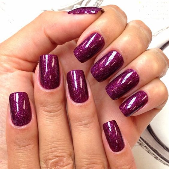 Camila Coelho  (DS Extravagance by OPI) by @lucinhabarteli