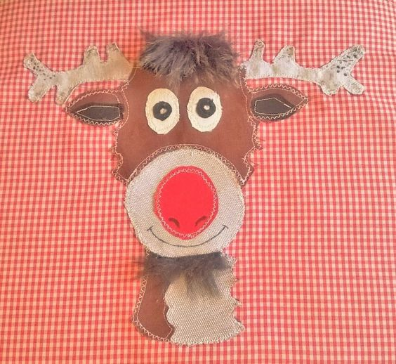 Detail of Rudolph applique Christmas cushion https://www.facebook.com/ke.shuni