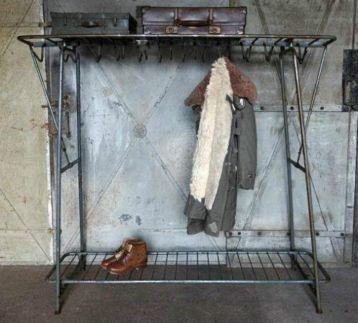 Oude kapstokken garderobe rekken winkelinrichting horeca for Antiek interieur
