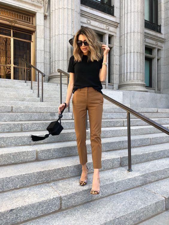 Calça bege Zara Tshirt preta Sapato animal print