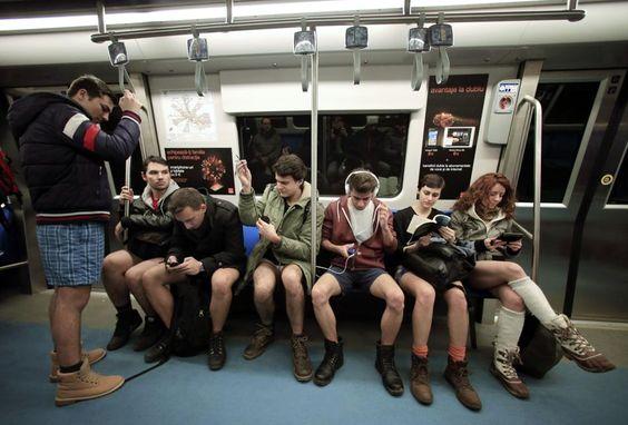 Sin pantalones en el metro