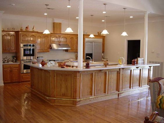 Pin By Jamie Hamilton On Moms House Wood Floor Kitchen Light Oak Cabinets Kitchen Colors