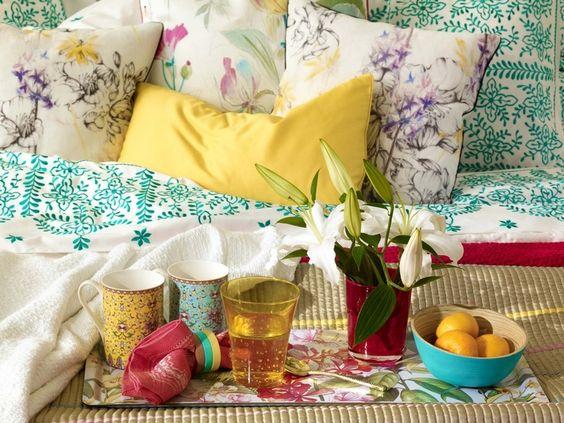Een beeld uit een Zara Home catalogus. Het spreekt me aan omdat ze altijd mooie stills maken en compleet ingerichte ruimtes. Zo krijg je echt een goed (sfeer)beeld van de producten.Het gevoel van de producten en de kleuren komen over.