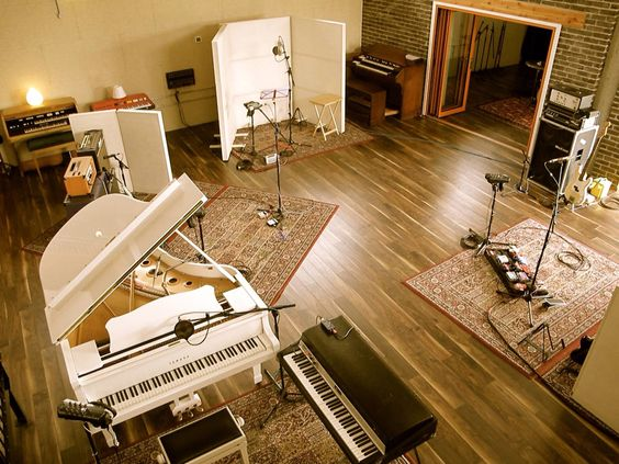 U2 Took Up Residence At Olympic Studios London During The Late Stages Of Making No Line On Horizon Photo Kevin Davies
