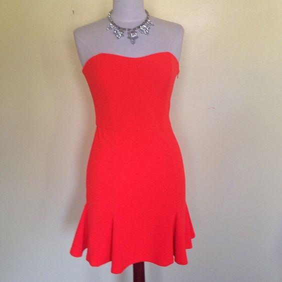 NWT GIANNI BINI STRAPLESS DRESS M NWT GIANNI BINI Bright orange strapless dress! Gorgeous fit and a little flare mini. Size M.  Gianni Bini Dresses Mini