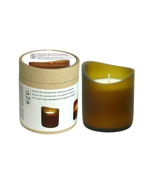 Luce romantica nel vetro sabbiato di bottiglie riciclate, le candele sono in cera di soia http://www.onfuton.com/portfolio_item/candele-dalla-natura/