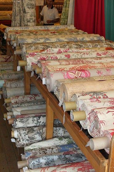 Paris toile and fabrics on pinterest - Horaires marche saint pierre ...