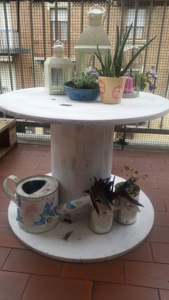 tavolino da giardino in stile shabby con bobina di legno | mobili ... - Idee Mobili Da Giardino In Stile
