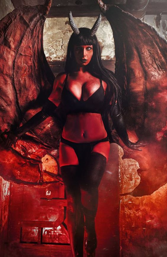Lady Death by Elena Samko Cosplay