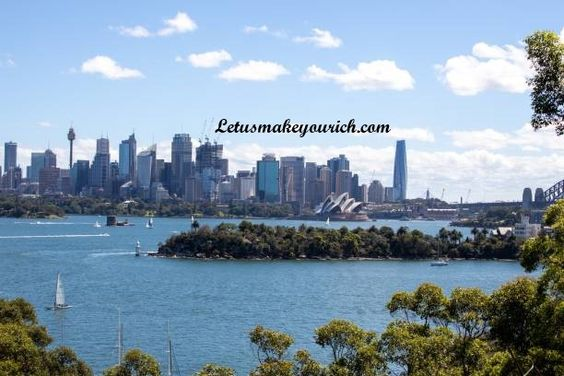 Australia has the world's longest golf course measuring more than 850 miles long; Australia is home to 21 of the world's 25 most venomous snakes; Perth is the only city in the world which can have aircraft land in its CBD.