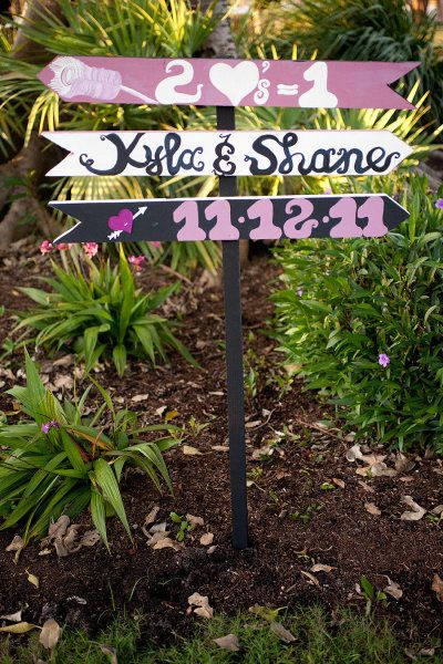 signs....cute wished I'd dobecthis one for our wedding.