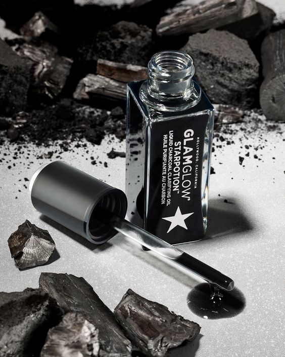 """Sephora on Instagram: """"Halloween might be a month away but @GLAMGLOW's new STARPOTION Liquid Charcoal Clarifying Oil already has its spell on us 🧙🏽♀️ With two…"""""""