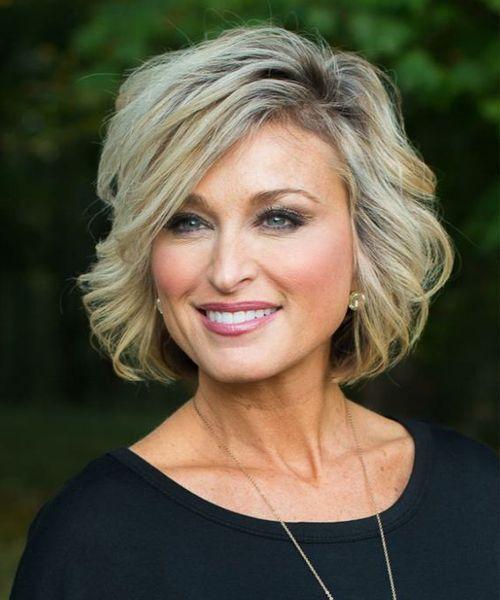 Stylish Haircuts For Women Over 50 Women Short Hairstyles Medium Length Hair Styles Chin Length Hair Medium Hair Styles