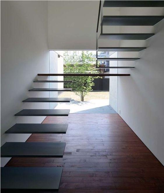 Ems on pinterest for Escaleras interiores modernas
