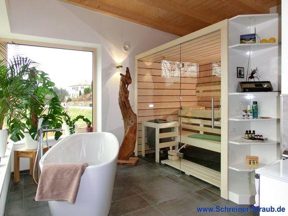 badezimmer sauna - paneele aus erle und nussbaum mit glasfront