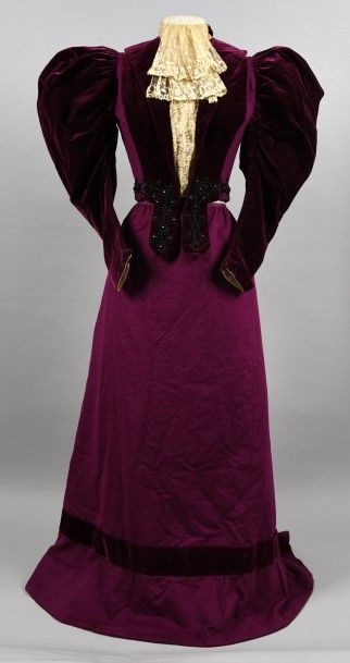 1895-1900 Day Dress, Marix Young Brothers, France; wool twill and silk velvet