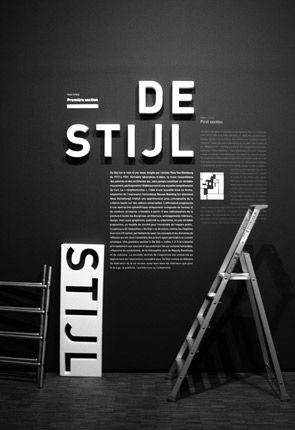 Création d'un nouvel ordre aux Pays bas . la géométrie est un principe guide , radicalisation géométrique, lignes verticales, horizontales et couleurs primaires. Exhibition design installation process.