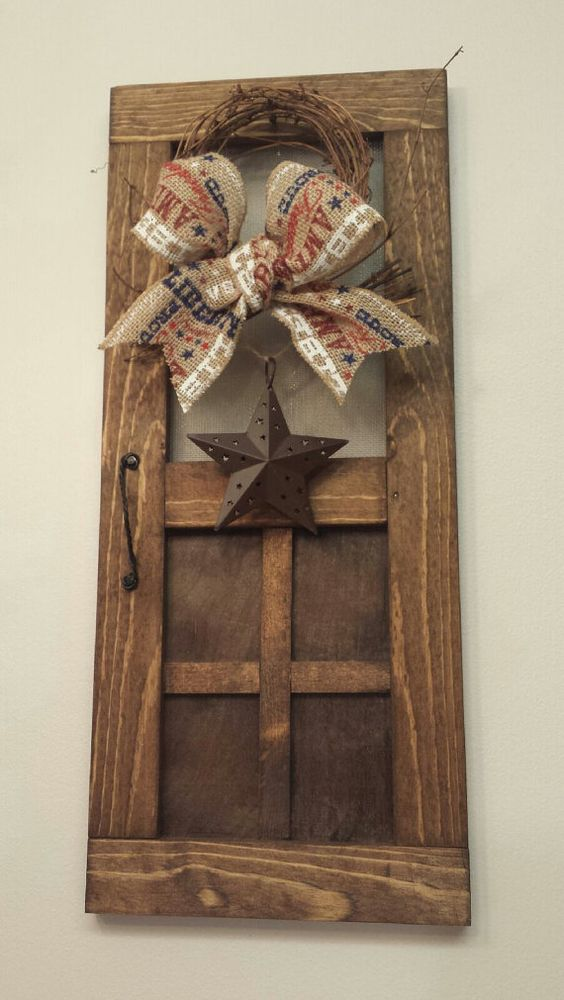 Mini wood screen door wreath rustic barn star mini screen for Barn door screen door