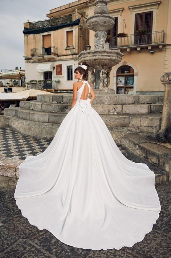 Anna Sposa Vienna In 2020 Wedding Salon Wedding Dresses Wedding