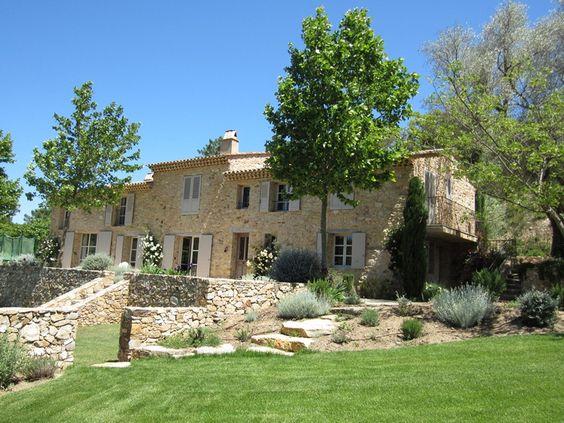 Villa in Provence Stone & Living - Immobilier de prestige - Résidentiel & Investissement // Stone & Living - Prestige estate agency - Residential & Investment www.stoneandliving.com