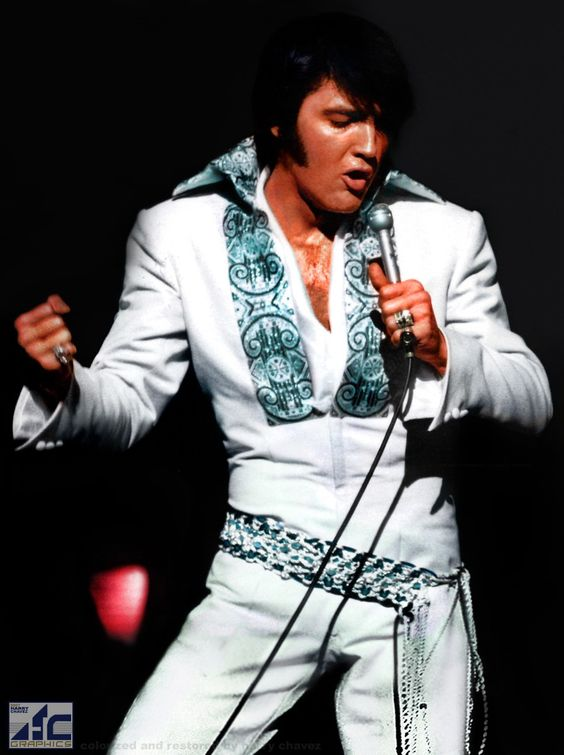 Elvis looking good! He looked like this when I saw him in Vegas.