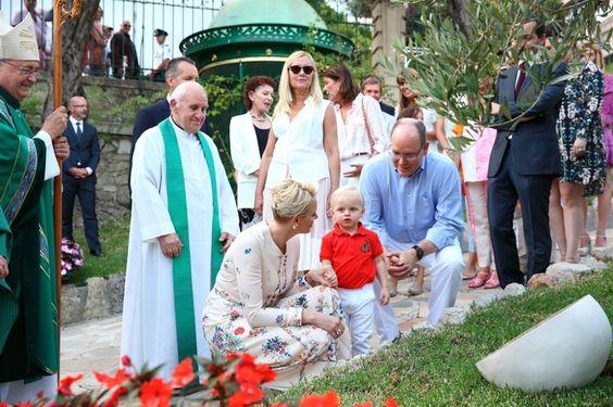 Plus de 1000 personnes rassemblées au Parc Princesse Antoinette pour « U Cavagnëtu » - Site officiel de la Mairie de Monaco