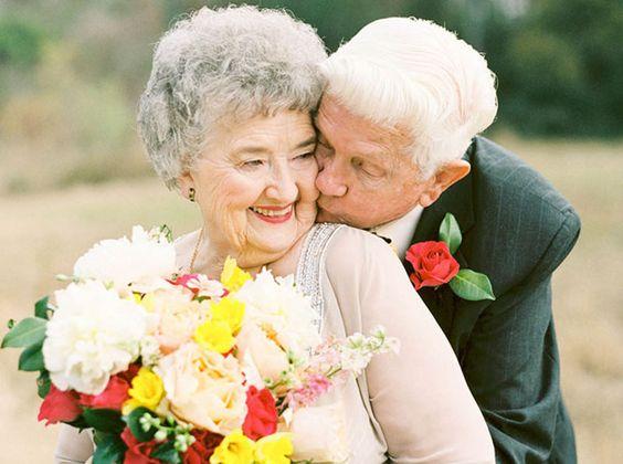 Casal de vovôs ganha álbum cheio de fofura pra celebrar 63 anos de puro amor
