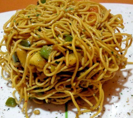 Si Te Gusta La Cocina China Esta Receta Te Encantará Estos Fideos Chinos Con Verduras Y Salsa De Soja Son S Recetas Chinas Fideos Chinos Fideos Chinos Receta