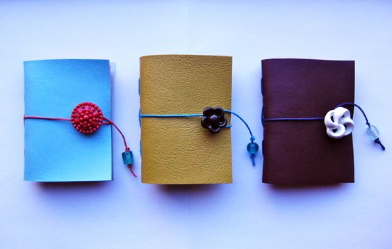 needlebook - freckled nest. such a great little gift-idea :)