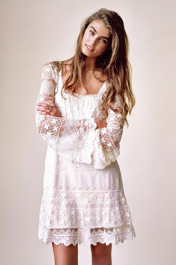 Kimchi blue buttercup lace bell sleeve dress urban for Urban outfitters wedding dresses