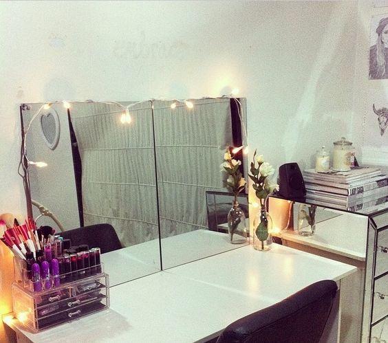 Vanity #makeup #dresser